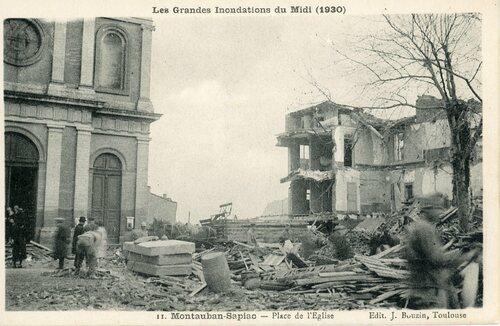"""Afficher """"Les Grandes Inondations du Midi (1930) - Montauban Sapiac- Place de l'Eglise"""""""